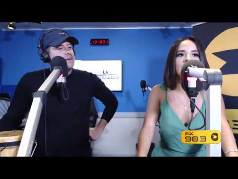 """Becky G hablando sobre su nuevo single """"Mayores"""" en La Gozadera"""