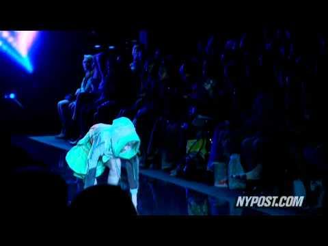 Opening Night Fashion Week Fall - New York Post Mp3