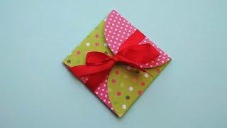 Как сделать подарочный конверт бумаги для открытки на 8 марта своими руками.
