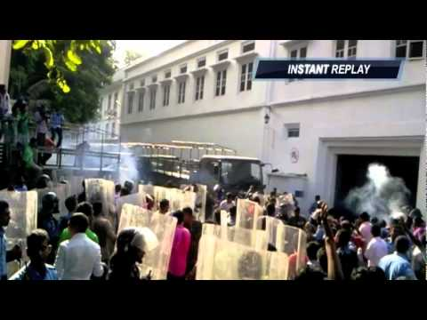 Maldives Coup - Police attacking MNDF Headquarters, February 7th, 2012