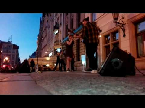 Follow Rivers - koncert na wrocławskim rynku