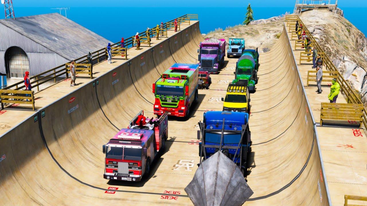 Carros Caminhões com Homem Aranha e Heróis Desafio na MegaRamp! Spider-Man Trucks Challenge