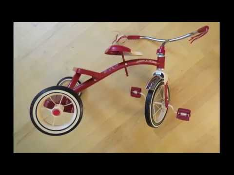 Assembling of Radio Flyer Tricycle - YouTube