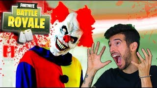 ESCAPA DEL PAYASO ASESINO EN FORTNITE !! LOCURA EN PATIO DE JUEGOS Makigames