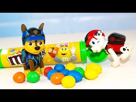 Щенячий патруль Учим цвета с конфетами M&M's Мультики для детей про игрушки Герои в масках Ромео