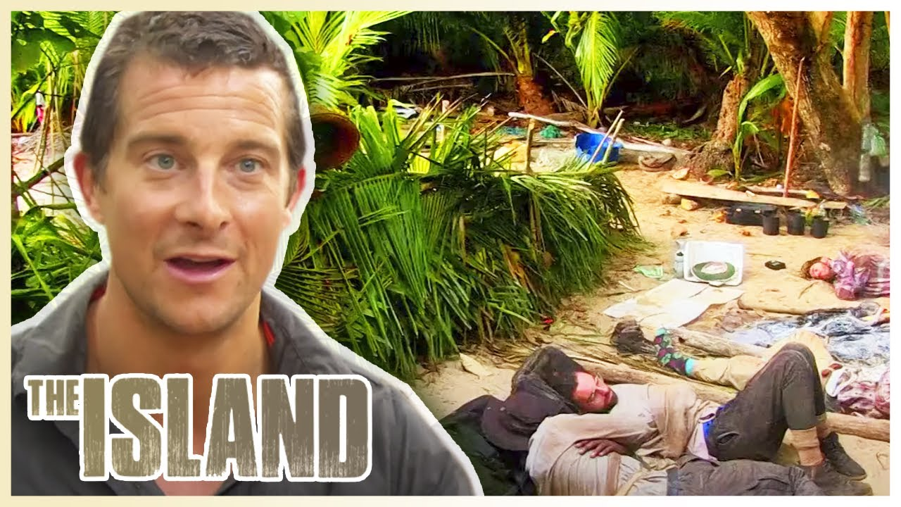 Download ABANDONED on a Pacific Island | The Island With Bear Grylls | S01 E01 | Thrill Zone