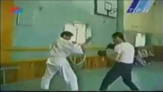 Двобій боксера і каратиста / Боксёр против каратиста и бойца ниндзюцу
