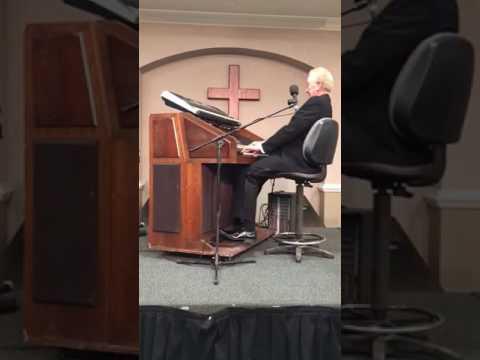 Charles Ritchie at the Organ!