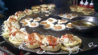 PAKISTAN'S FAMOUS STREET FOOD BUN KABAB - Anday Wala Burger