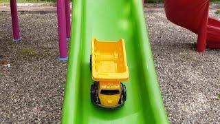 Berat Kamyonu Kaydıraktan Kaydırdı. Eğlenceli Çocuk Videosu