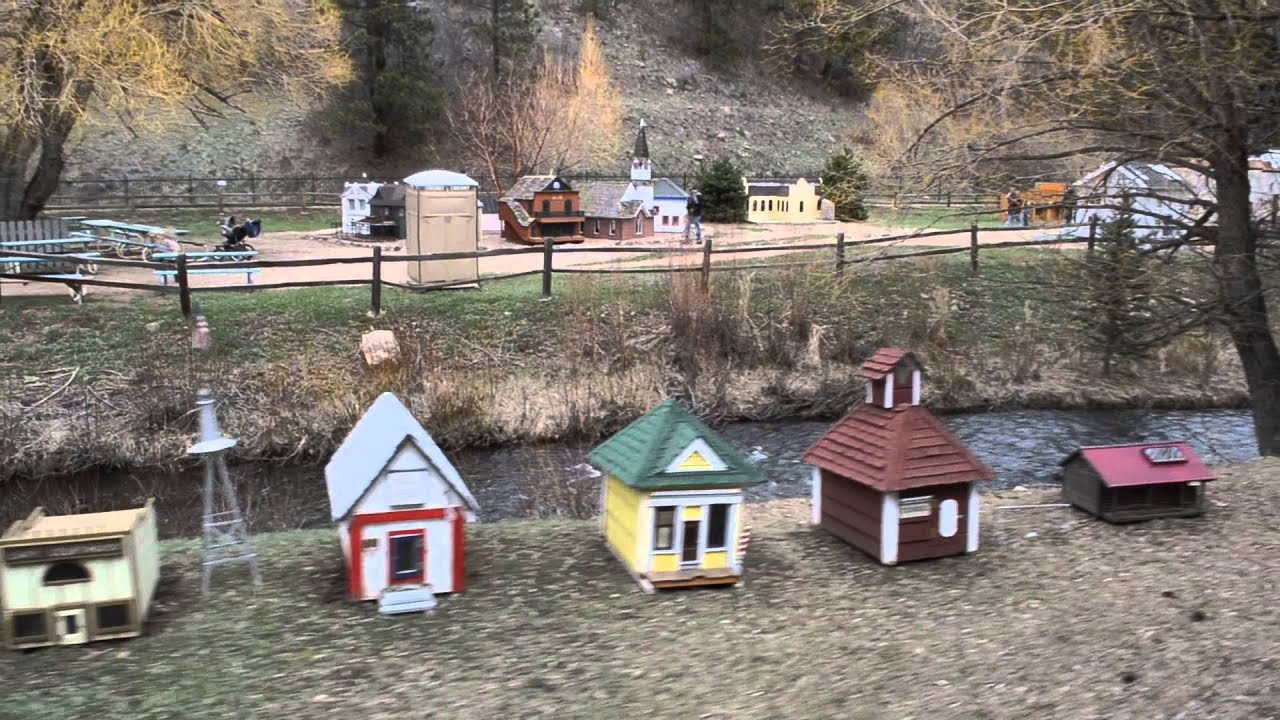 Turnerville at tiny town colorado mini homes on train ride for Tiny house company colorado