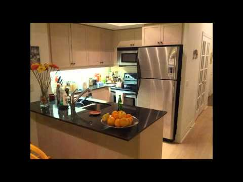 5 8  Marine Parade Drive 1 Bedroom + Den Furnished Condo Lakefront Living