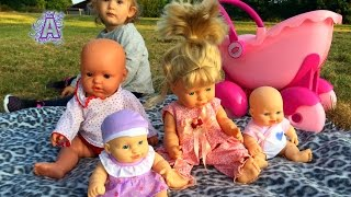 Playing with Baby Dolls / Outdoor Playground / Baby Doll Playtime / Jugando con Mis Muñecas /