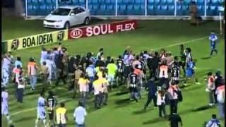 pancadaria no futebol 2011 botafogo x avai