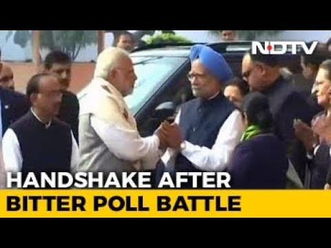 PM Modi, Manmohan Singh's Handshake After Bitter War Of Words
