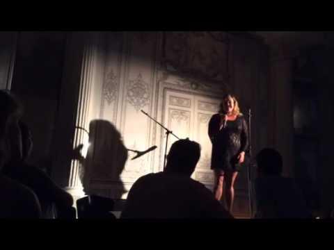 """Elise Arndt sings """"It"""