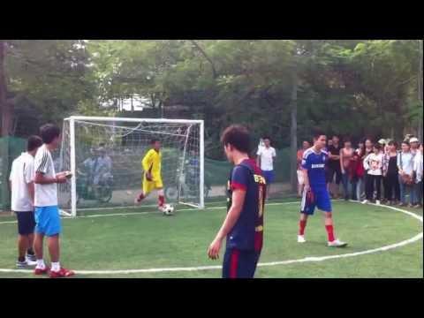 Chung kết giải bóng đá mini khoa quản lý CĐ khóa 15 trường ĐH LĐ-XH