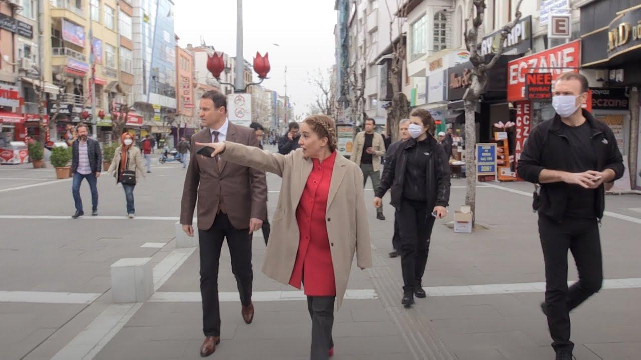 Uşak Valisi Funda Kocabıyık'tan kent merkezinde 'sosyal mesafe' teftişi
