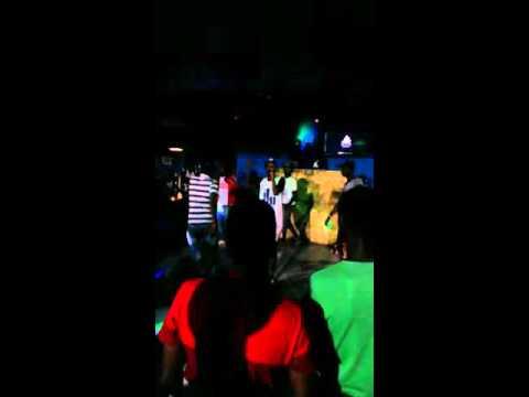 Master Dee performing 'Ngeke Bay'qede'