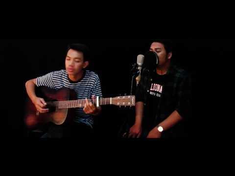fourtwnty-Hitam Putih Live Cover by Tio & AmenKell