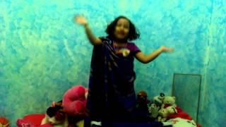 Lagu india perform sebelum tidur dengan bonekanya