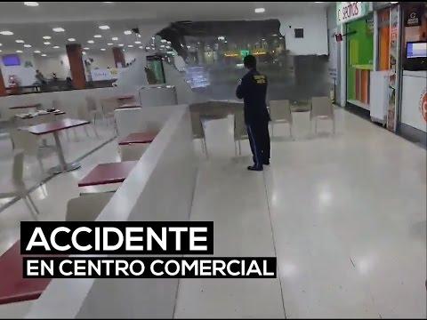 Techo del Centro Comercial Cafam Floresta se desploma| El Espectador