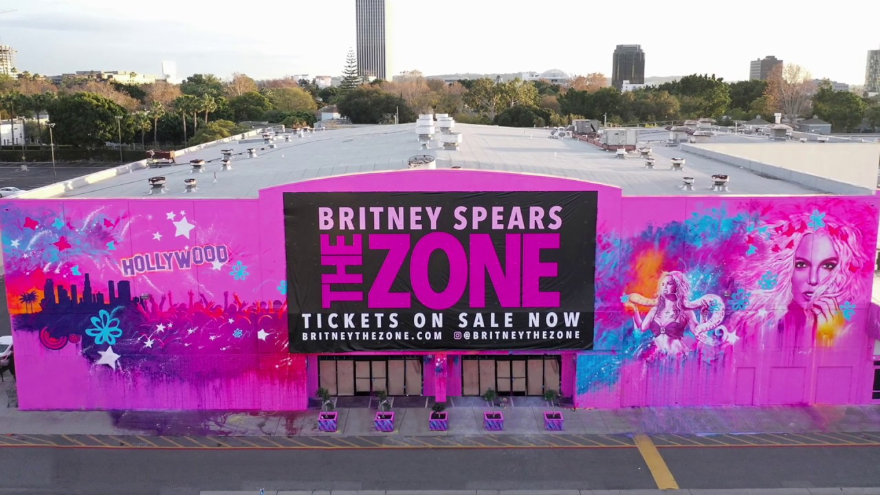 Britney Spears - The Zone - Mural Timelapse