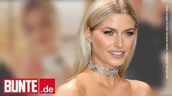 Lena Gercke - Lederrock & tiefer Ausschnitt – so sexy stellt sie ihr Bäuchlein zur Schau