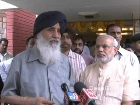 Punjab CM Parkash Singh Badal meets Gujarat CM Narendra Modi