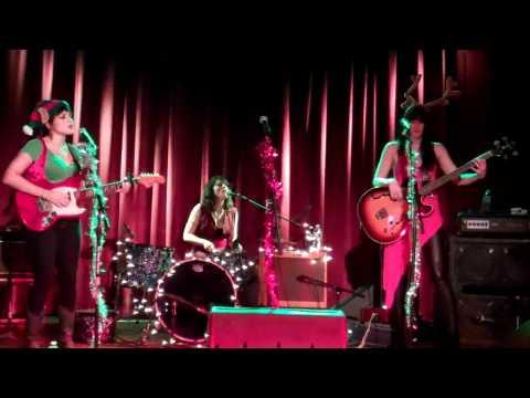 Norah Jones, Sasha Dobson & Catherine Popper- Home Of The Blues