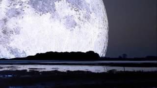 今井美樹さんの Blue Moon Blue をピアノ弾き語りでcoverしました♪ 原曲...