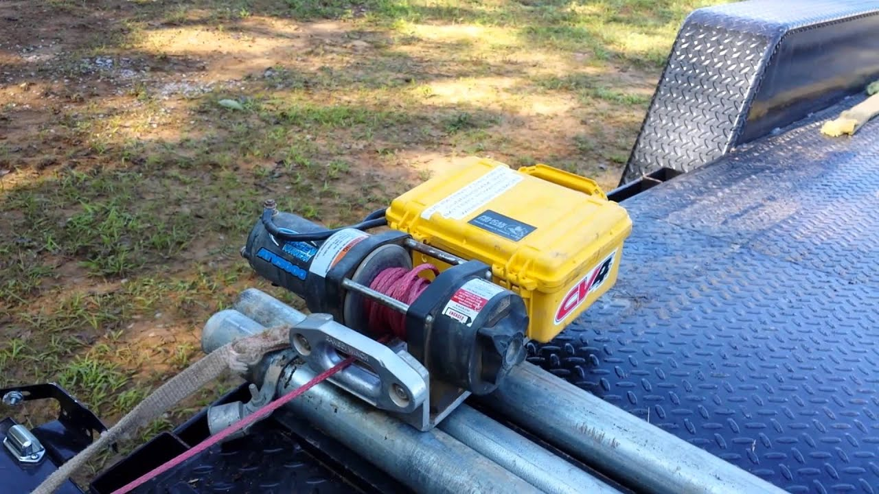 Wireless remote controlled battery powered winch video 2 youtube publicscrutiny Choice Image