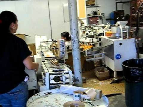 Candy apple making machine at Buell's Orchard - YouTube