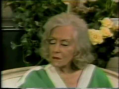 Gloria Swanson, Barbara Walters, 1981