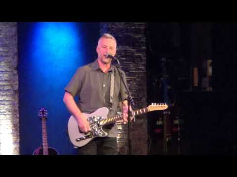 Billy Bragg @The City Winery, NY 10/16/17 Accident Waiting To Happen