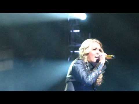 Carrie Underwood - Wasted - Live in Auburn Hills 2010