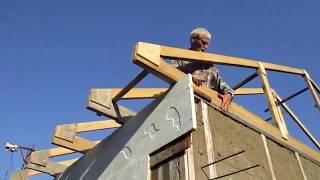 крыша. Подъем и расстановка ферм  Построить дом своими руками