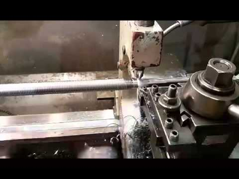 Cutting a acme thread on a manual lathe