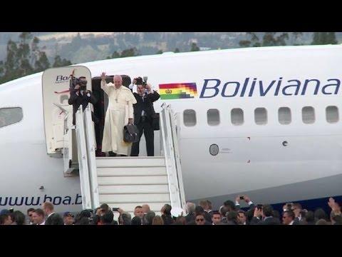 Papa abandona Ecuador rumbo a Bolivia