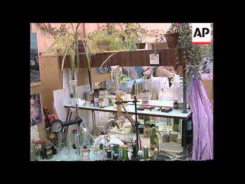 RUSSIA: ST PETERSBURG: COUNTERFEIT VODKA IS BIG BUSINESS
