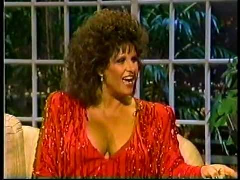 The Estelle Getty : Audience laughs at Lainie Kazan's cleavage