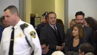 VORWURF DER SEXUELLEN NÖTIGUNG: Kevin Spacey stellt sich dem Gericht