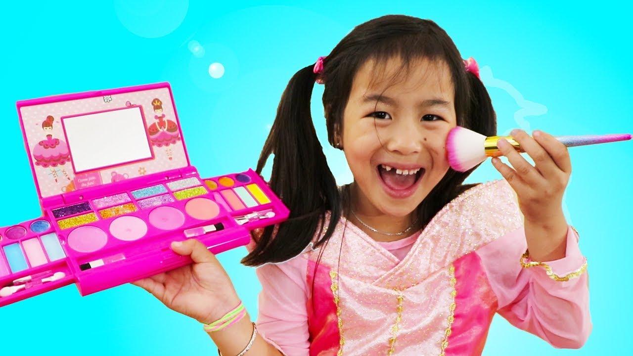 Jannie Wendy Pretend Play Princess Party Dress Up Kids