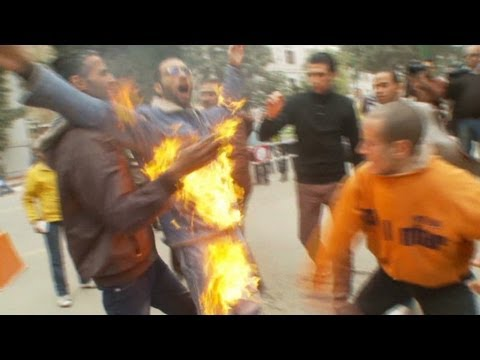 Egyptian man sets himself on fire