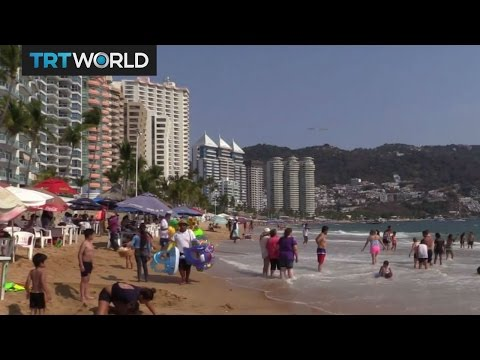 Mexico's Pacific Resort: Acapulco draws tourists despite gang violence