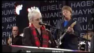 Annie Lennox Sisters Are Doing It For Themselves Live 8 2005