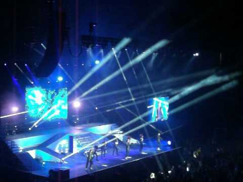 A1  Take On Me @Manchester Arena 261014