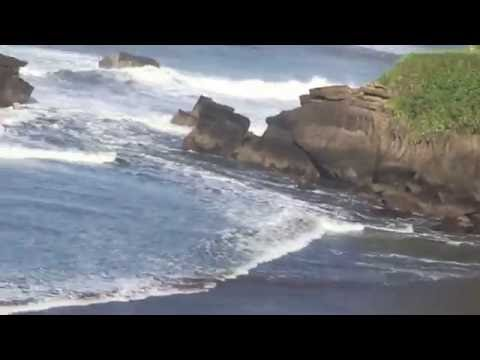 Dramatic Surf Rescue in Bali 10 Sept 2016 - 2 lucky surfers survive
