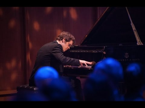 Benjamin Grosvenor plays Mozart Piano Concerto no. 20, K.466 - live 2017
