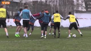 """Тренировка """"Урала"""": странный футбол и встреча с болельщиками"""